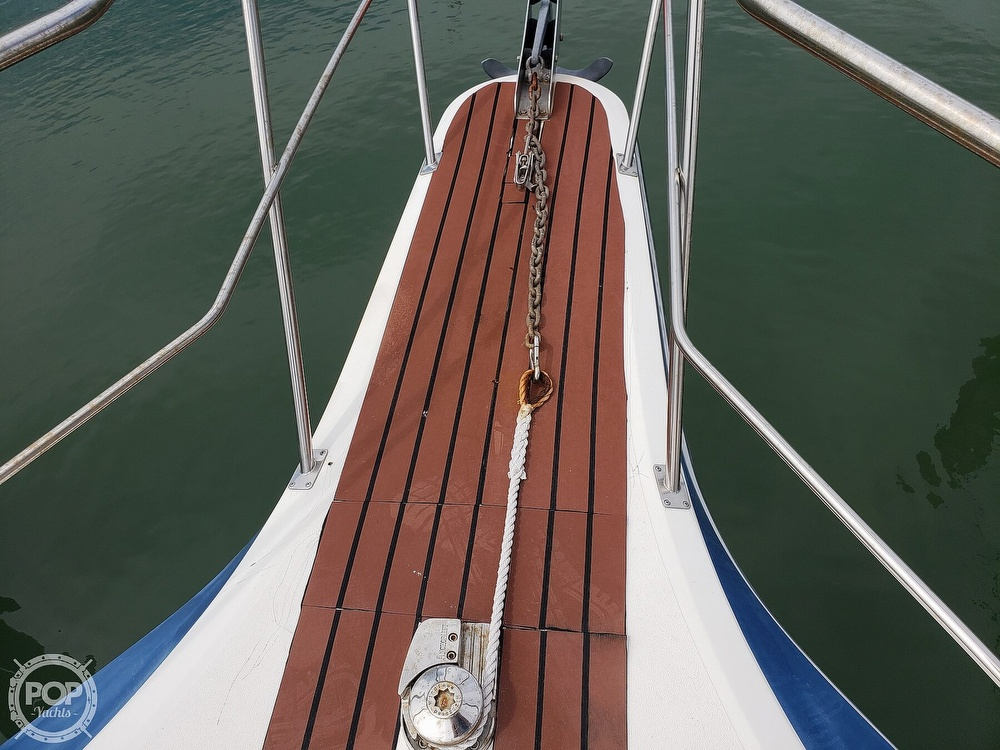1988 Cruisers Yachts boat for sale, model of the boat is 3380 Esprit & Image # 24 of 40