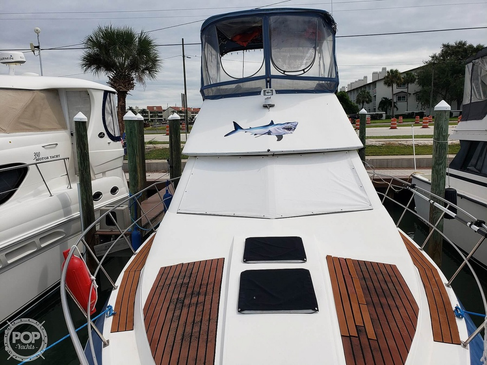 1988 Cruisers Yachts boat for sale, model of the boat is 3380 Esprit & Image # 26 of 40