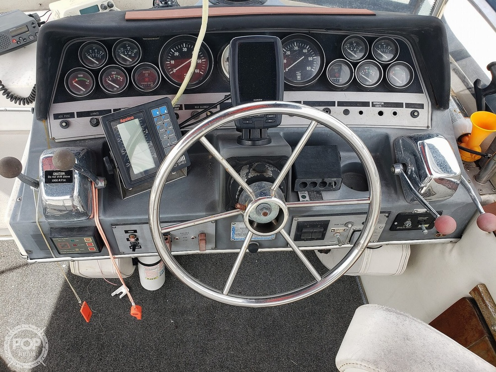 1988 Cruisers Yachts boat for sale, model of the boat is 3380 Esprit & Image # 2 of 40
