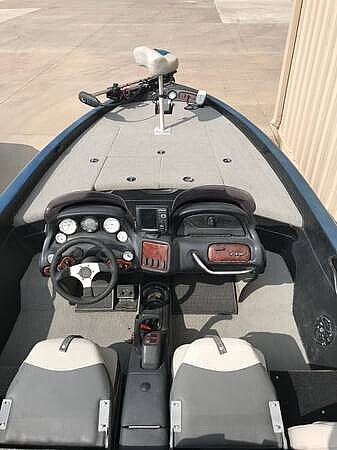 2003 Nitro boat for sale, model of the boat is 911 CDC & Image # 4 of 19