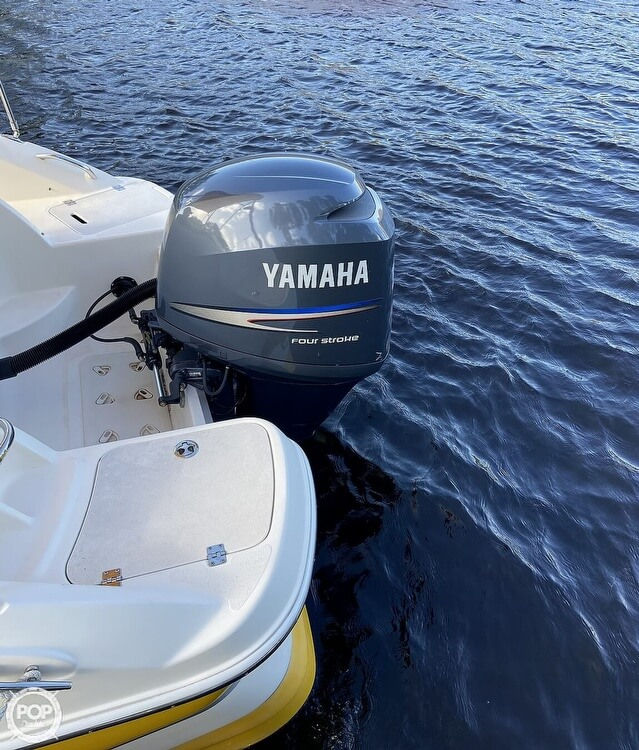 2008 Hurricane boat for sale, model of the boat is SunDeck 2000 & Image # 2 of 41