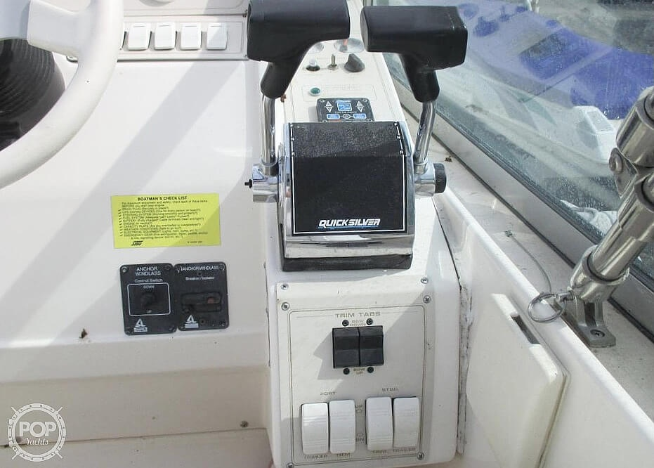 1996 Cruisers Yachts boat for sale, model of the boat is 3175 Rogue & Image # 14 of 40