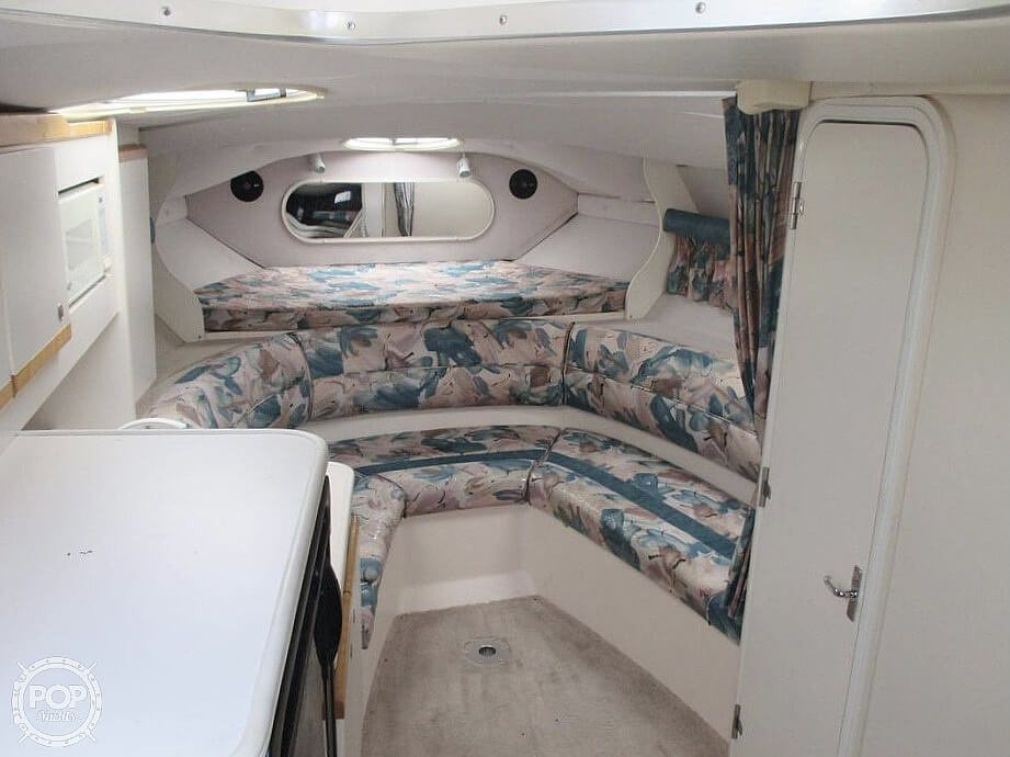 1996 Cruisers Yachts boat for sale, model of the boat is 3175 Rogue & Image # 32 of 40