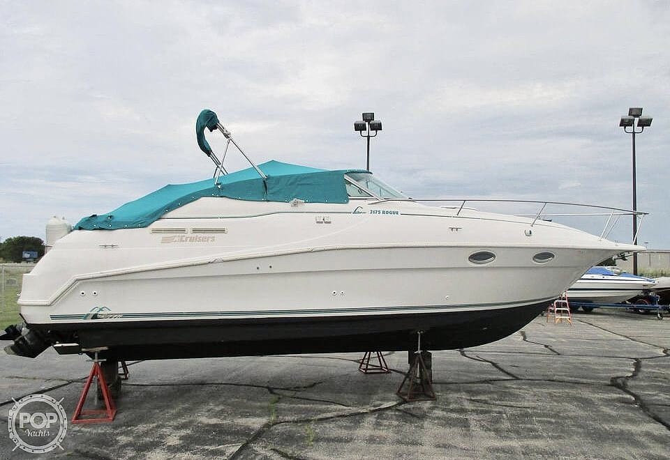 1996 Cruisers Yachts boat for sale, model of the boat is 3175 Rogue & Image # 5 of 40