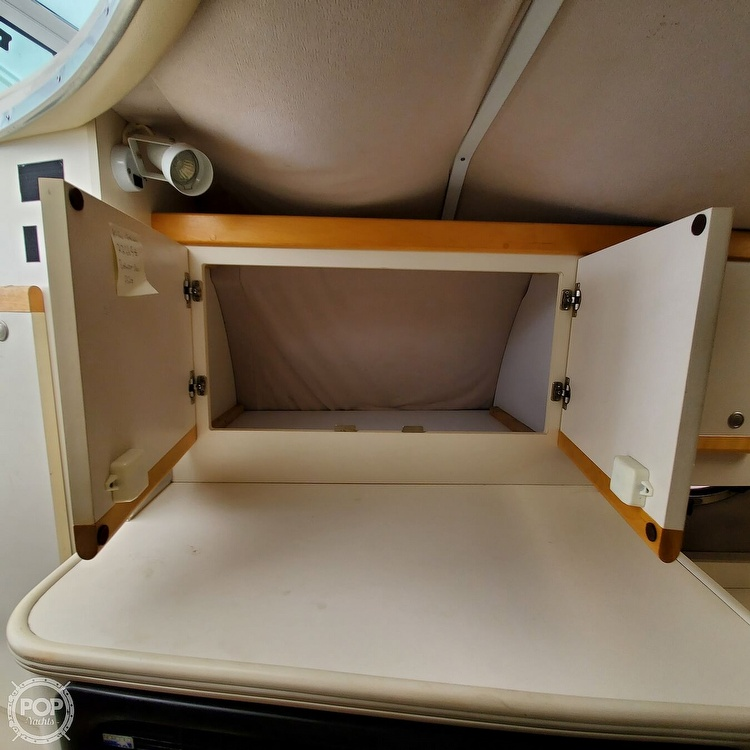1996 Cruisers Yachts boat for sale, model of the boat is 3175 Rogue & Image # 31 of 40