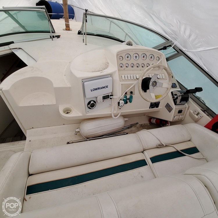 1996 Cruisers Yachts boat for sale, model of the boat is 3175 Rogue & Image # 3 of 40