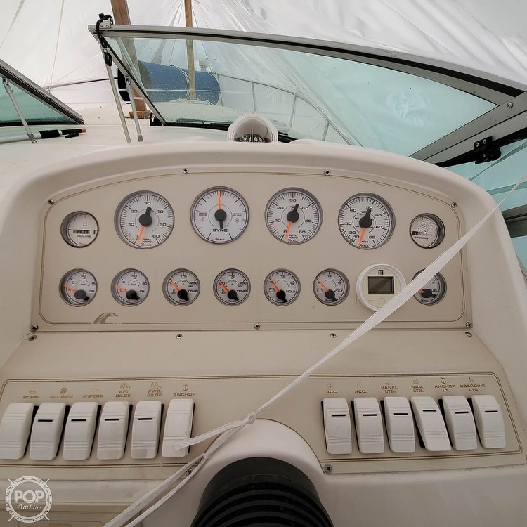 1996 Cruisers Yachts boat for sale, model of the boat is 3175 Rogue & Image # 16 of 40
