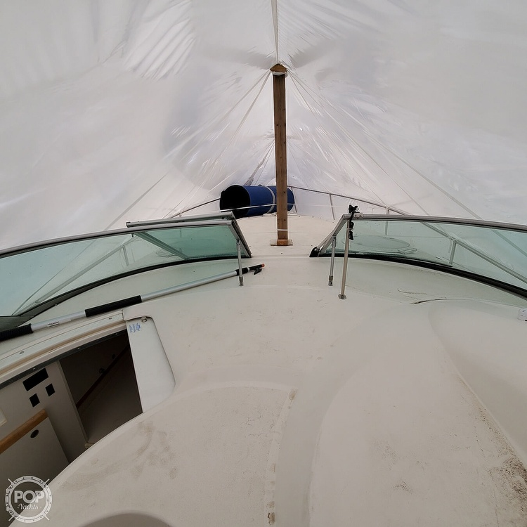 1996 Cruisers Yachts boat for sale, model of the boat is 3175 Rogue & Image # 23 of 40