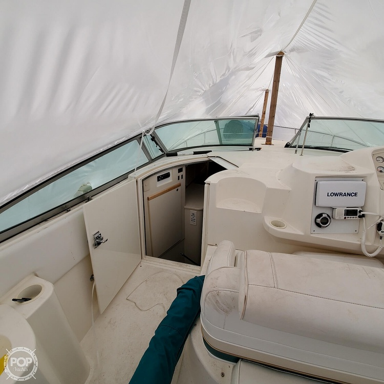 1996 Cruisers Yachts boat for sale, model of the boat is 3175 Rogue & Image # 22 of 40