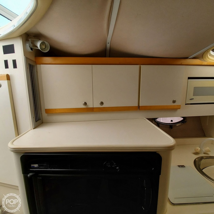 1996 Cruisers Yachts boat for sale, model of the boat is 3175 Rogue & Image # 30 of 40