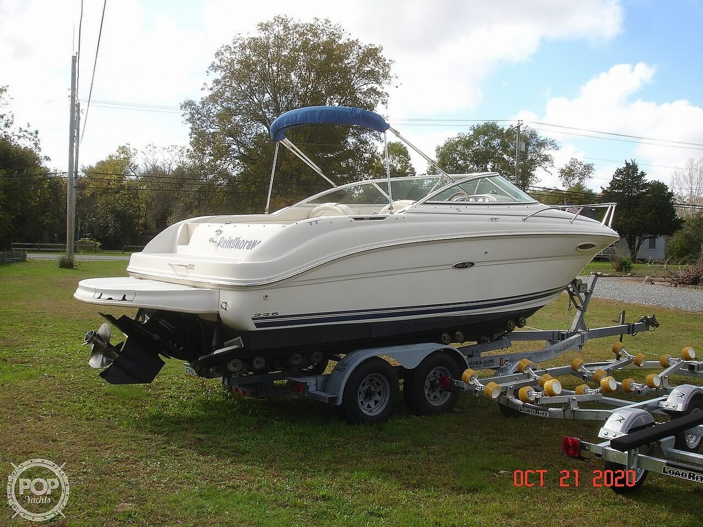 2004 Sea Ray boat for sale, model of the boat is Weekender 225 & Image # 2 of 40