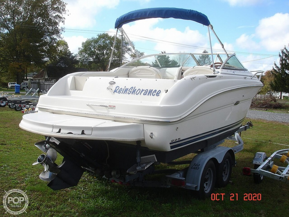 2004 Sea Ray boat for sale, model of the boat is Weekender 225 & Image # 3 of 40