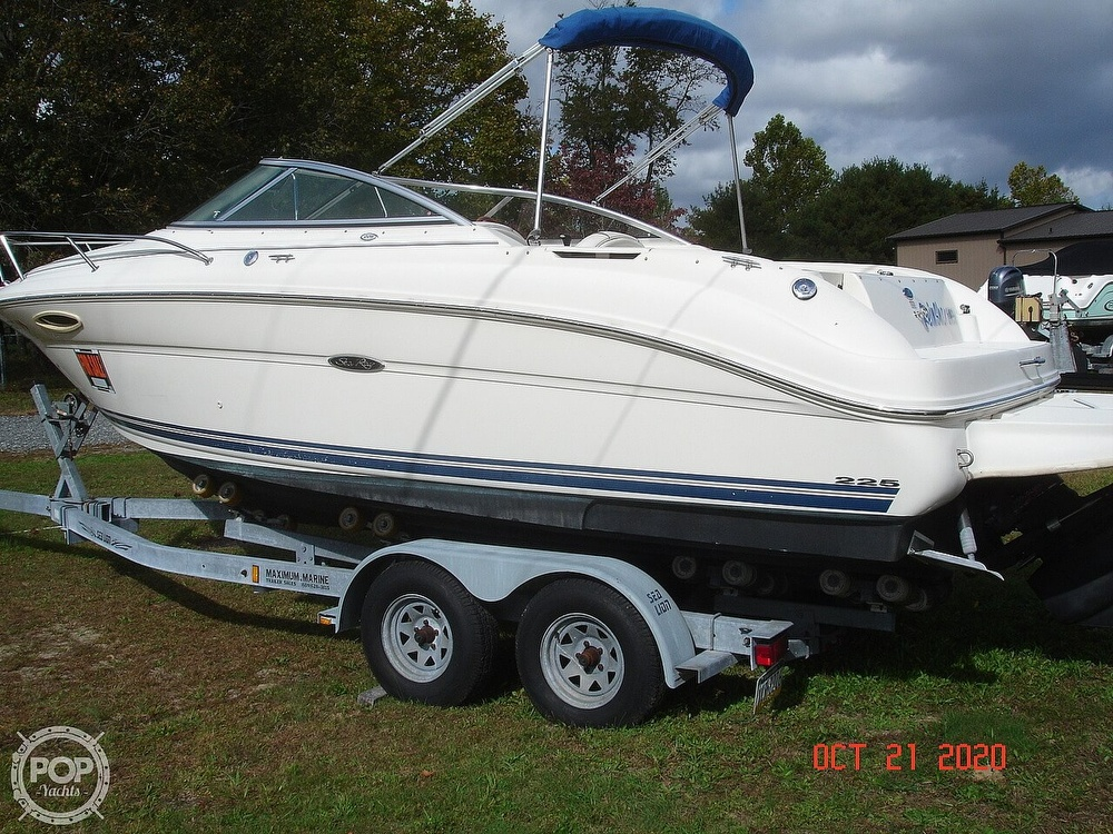 2004 Sea Ray boat for sale, model of the boat is Weekender 225 & Image # 8 of 40