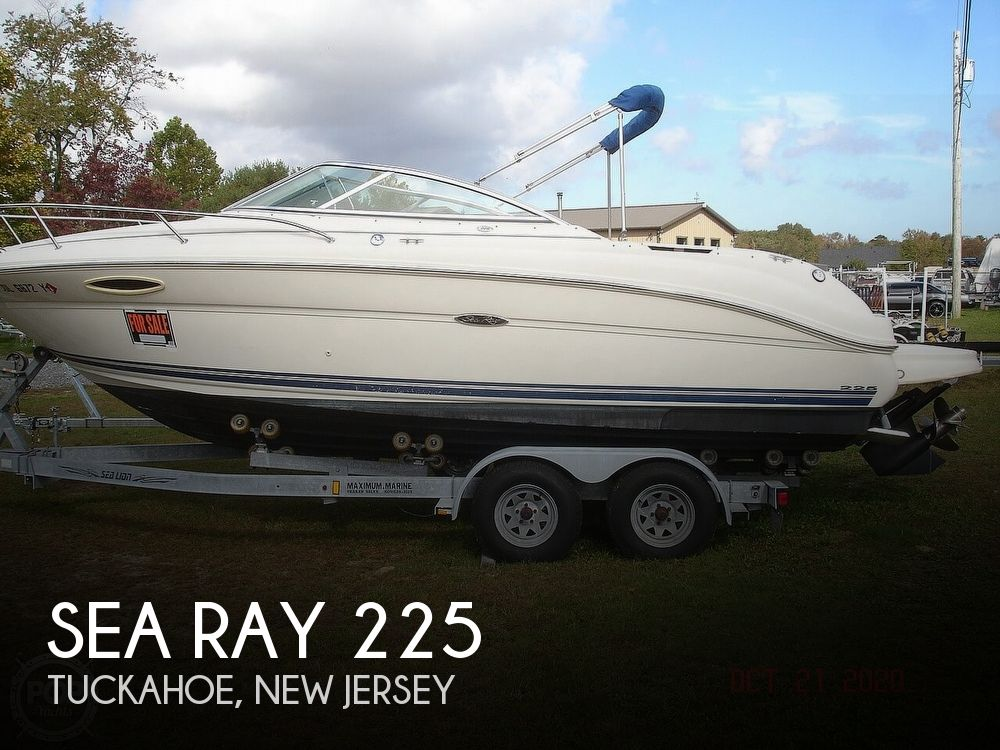 2004 Sea Ray boat for sale, model of the boat is Weekender 225 & Image # 1 of 40