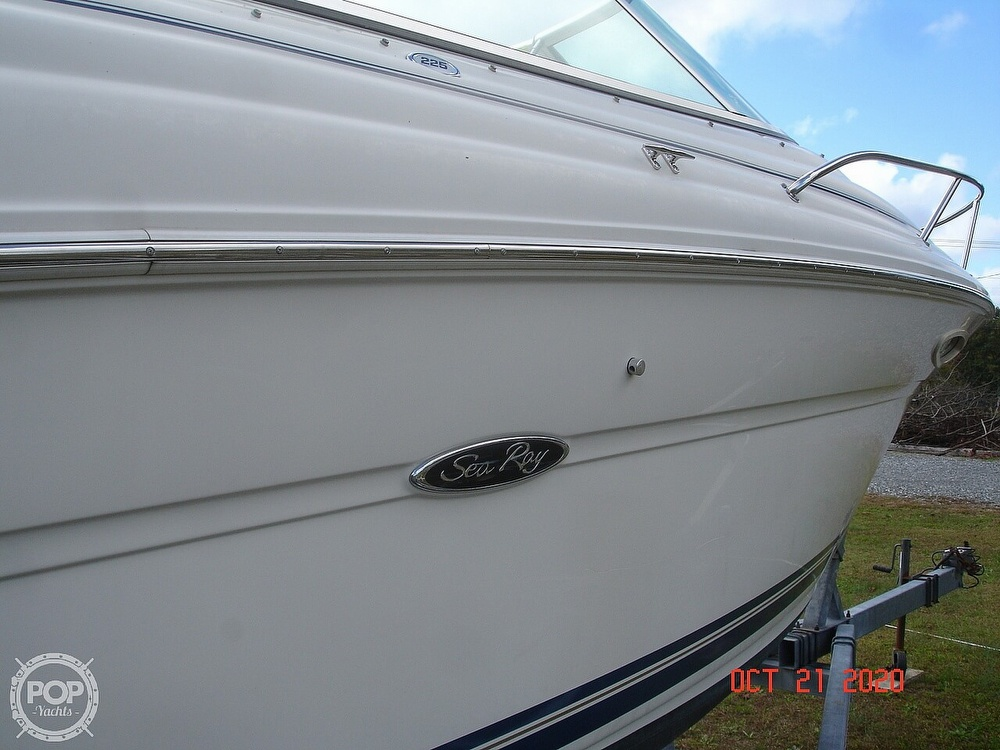 2004 Sea Ray boat for sale, model of the boat is Weekender 225 & Image # 20 of 40