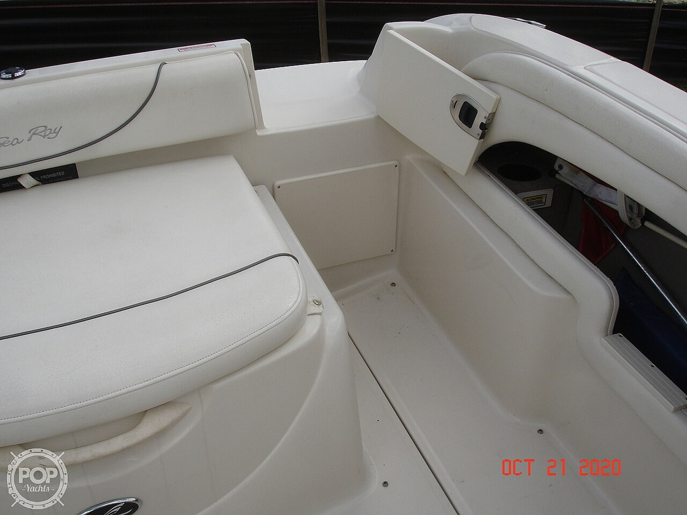 2004 Sea Ray boat for sale, model of the boat is Weekender 225 & Image # 26 of 40