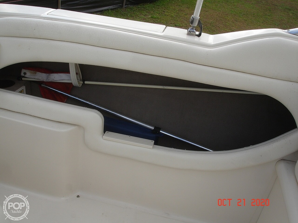 2004 Sea Ray boat for sale, model of the boat is Weekender 225 & Image # 27 of 40