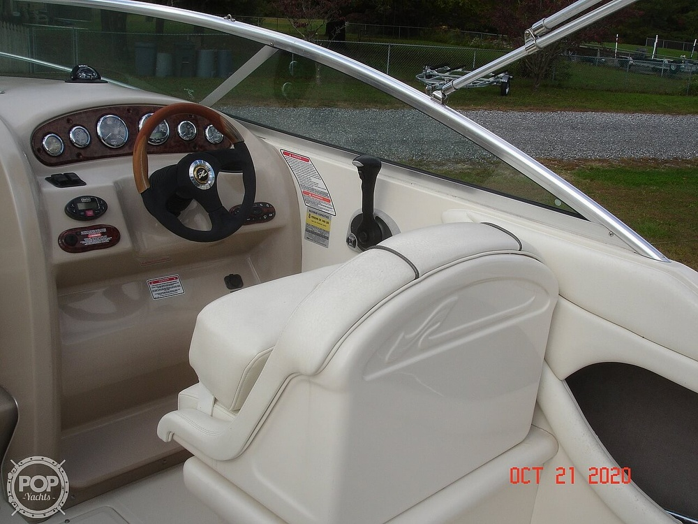 2004 Sea Ray boat for sale, model of the boat is Weekender 225 & Image # 33 of 40