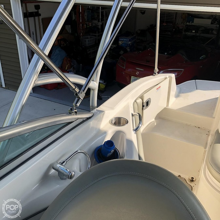 2006 Sea Ray boat for sale, model of the boat is 220 Sundeck & Image # 18 of 21
