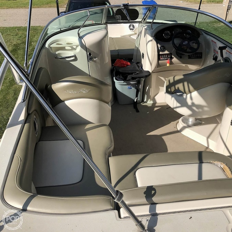 2006 Sea Ray boat for sale, model of the boat is 220 Sundeck & Image # 20 of 21
