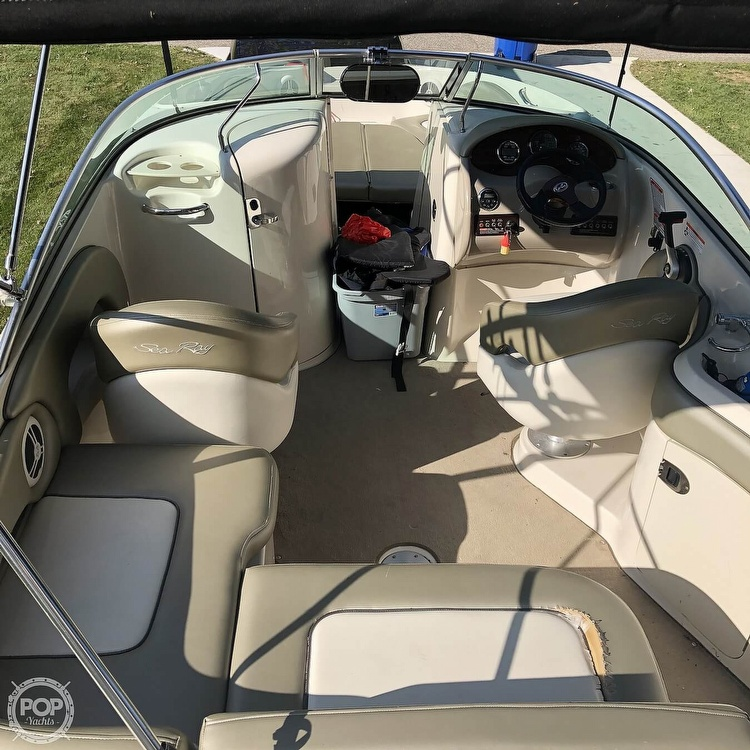 2006 Sea Ray boat for sale, model of the boat is 220 Sundeck & Image # 9 of 21