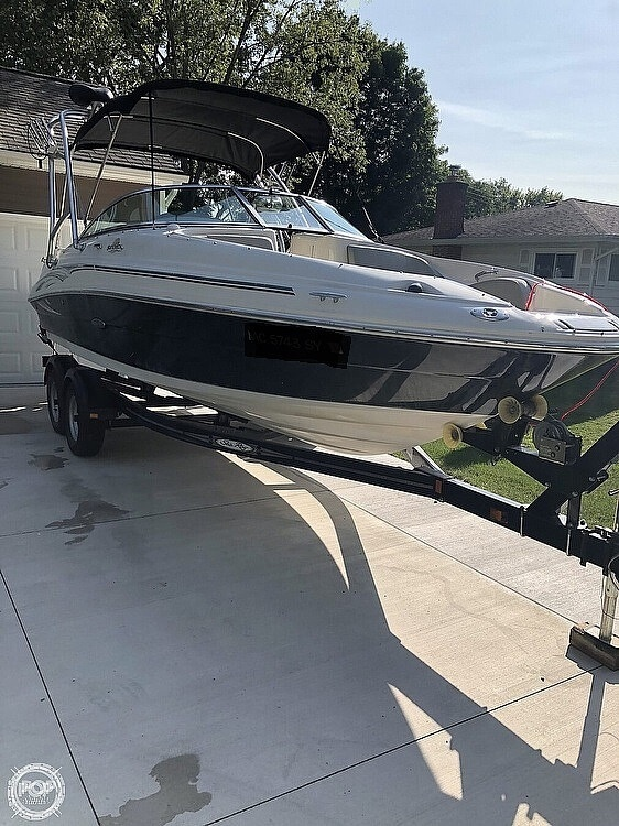 2006 Sea Ray boat for sale, model of the boat is 220 Sundeck & Image # 3 of 21