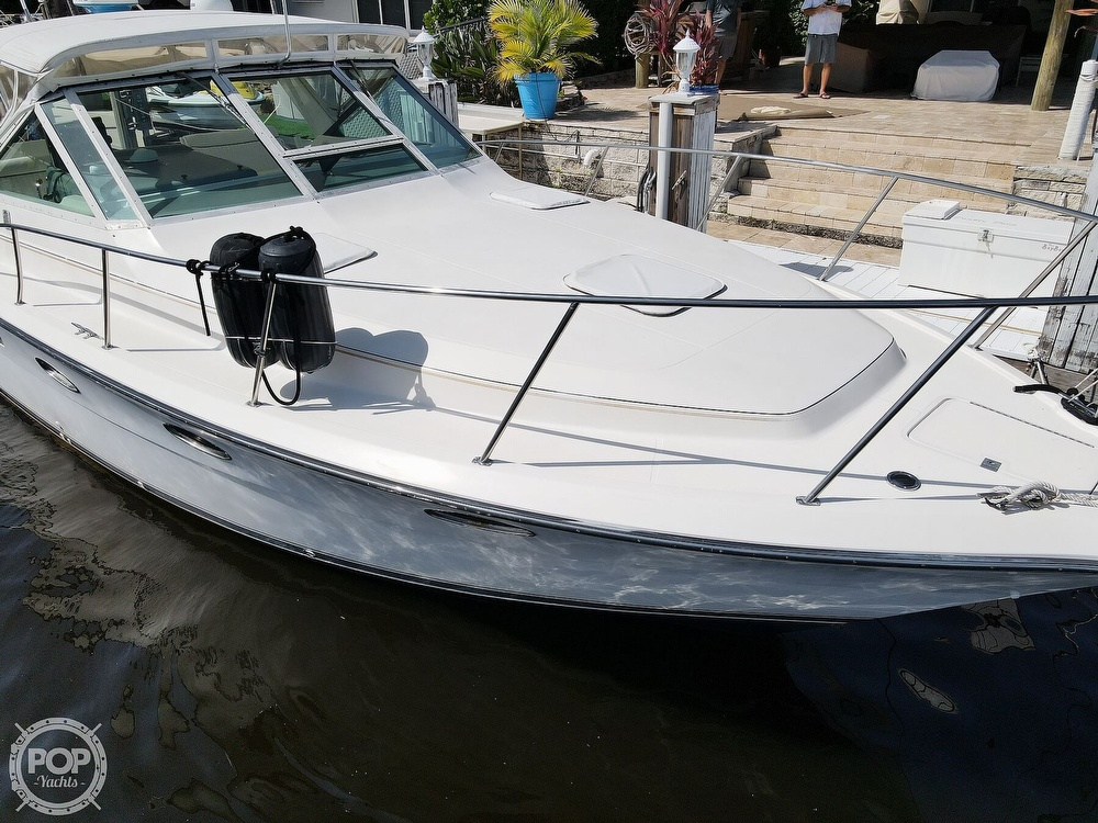 1996 Tiara Yachts boat for sale, model of the boat is 3300 Open & Image # 17 of 40