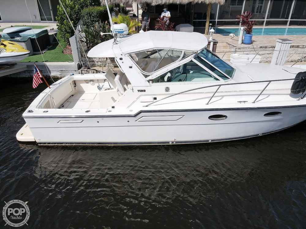 1996 Tiara Yachts boat for sale, model of the boat is 3300 Open & Image # 24 of 40