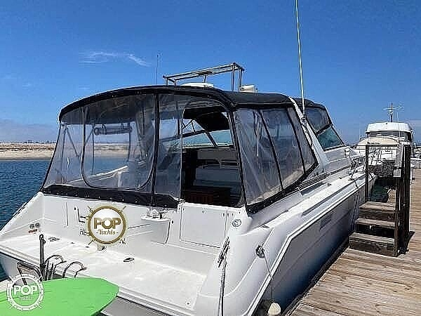 1992 Sea Ray boat for sale, model of the boat is Sundancer 440 & Image # 3 of 40