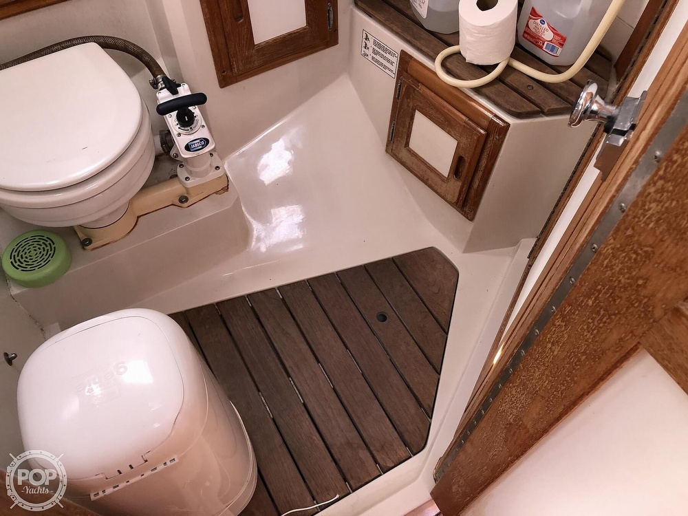 1996 Catalina Yachts boat for sale, model of the boat is 36 MK II & Image # 18 of 40