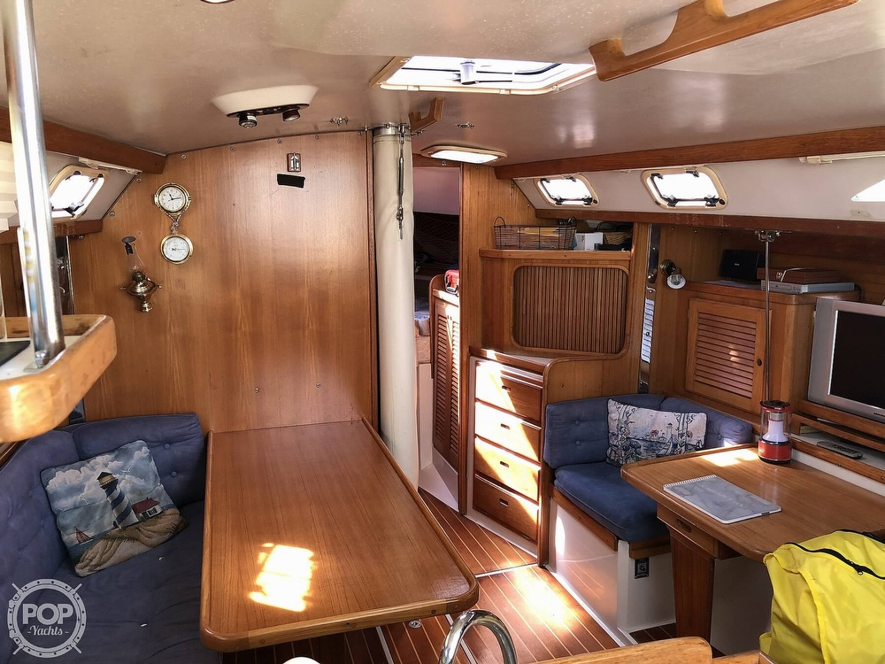 1996 Catalina Yachts boat for sale, model of the boat is 36 MK II & Image # 32 of 40