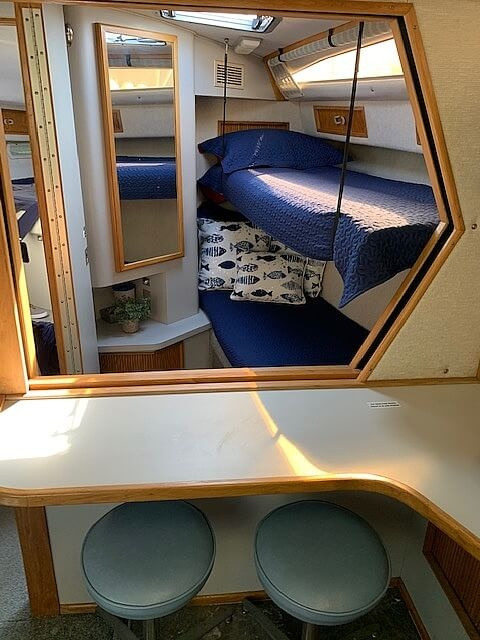 1990 Sea Ray boat for sale, model of the boat is 390 Express Cruiser & Image # 5 of 40