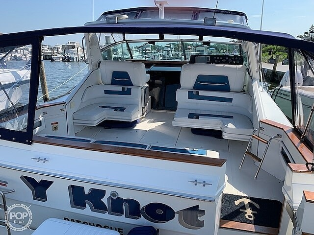 1990 Sea Ray boat for sale, model of the boat is 390 Express Cruiser & Image # 9 of 40
