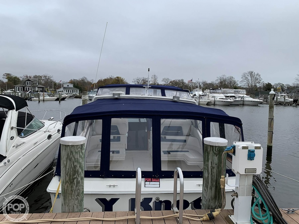 1990 Sea Ray boat for sale, model of the boat is 390 Express Cruiser & Image # 11 of 40