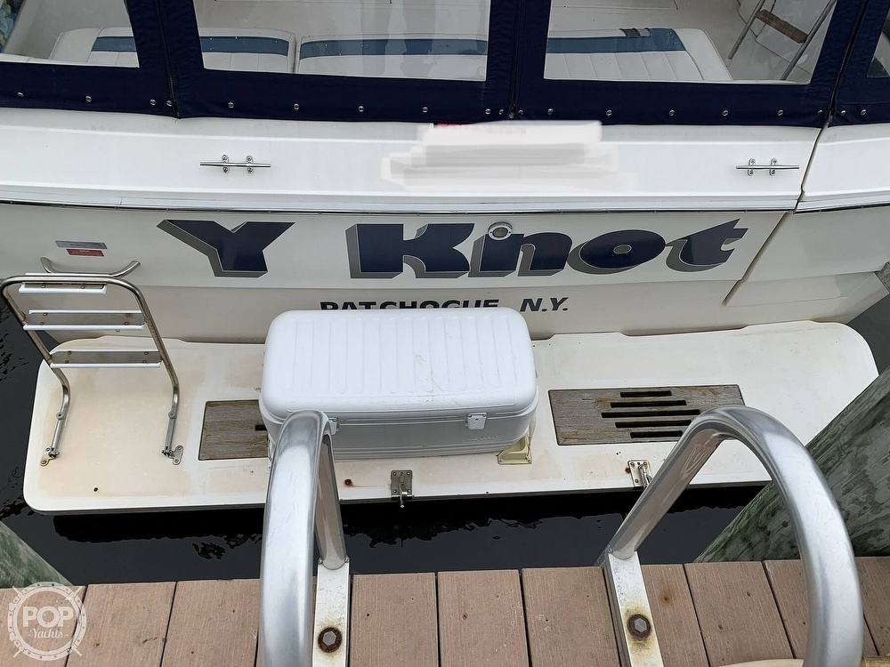 1990 Sea Ray boat for sale, model of the boat is 390 Express Cruiser & Image # 18 of 40