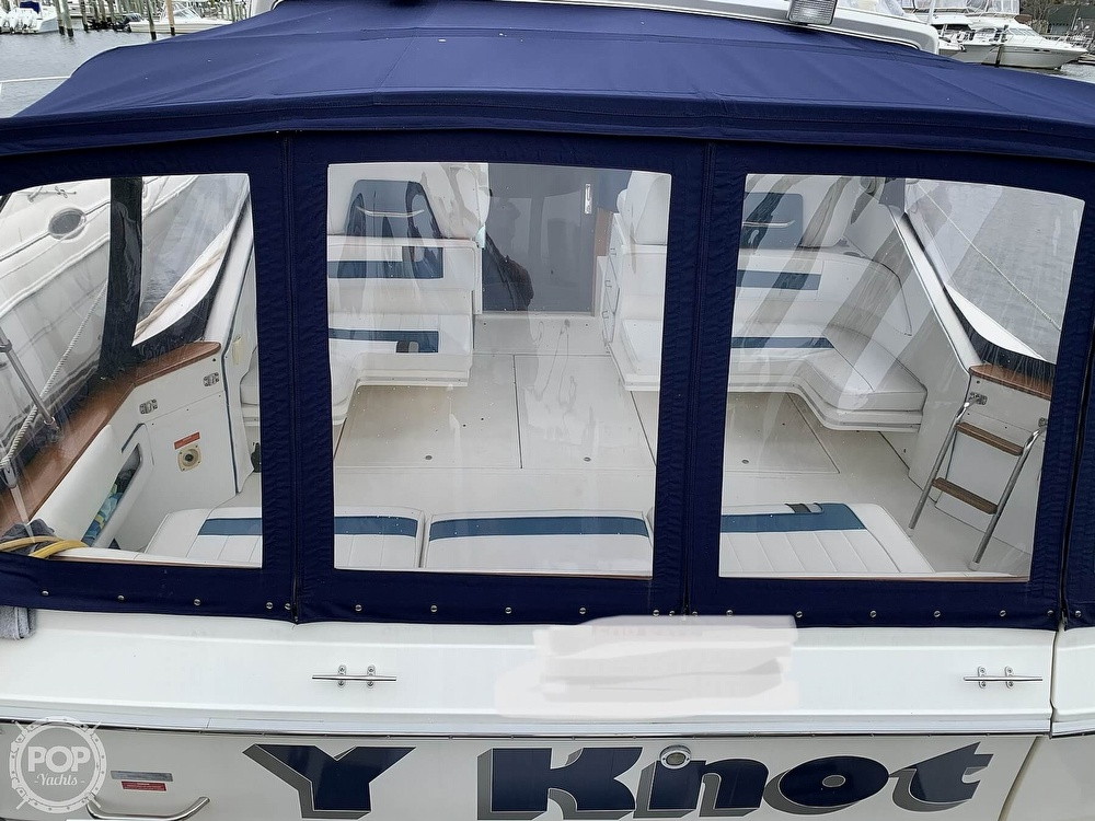 1990 Sea Ray boat for sale, model of the boat is 390 Express Cruiser & Image # 19 of 40