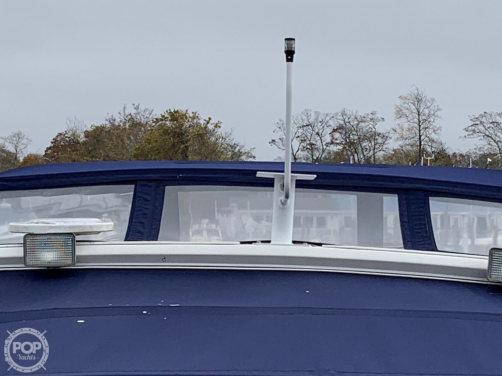 1990 Sea Ray boat for sale, model of the boat is 390 Express Cruiser & Image # 20 of 40