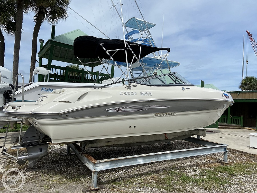 2012 Stingray boat for sale, model of the boat is 215LR & Image # 17 of 40