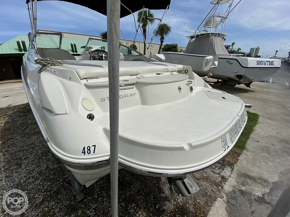 2012 Stingray boat for sale, model of the boat is 215LR & Image # 27 of 40