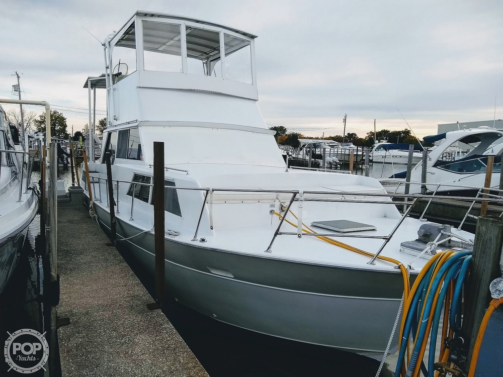 1985 Marinette boat for sale, model of the boat is 39 DC & Image # 2 of 40