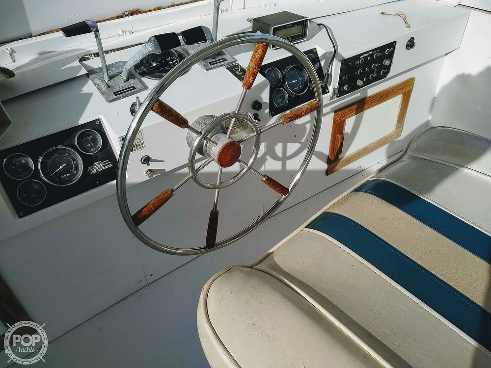 1985 Marinette boat for sale, model of the boat is 39 DC & Image # 8 of 40
