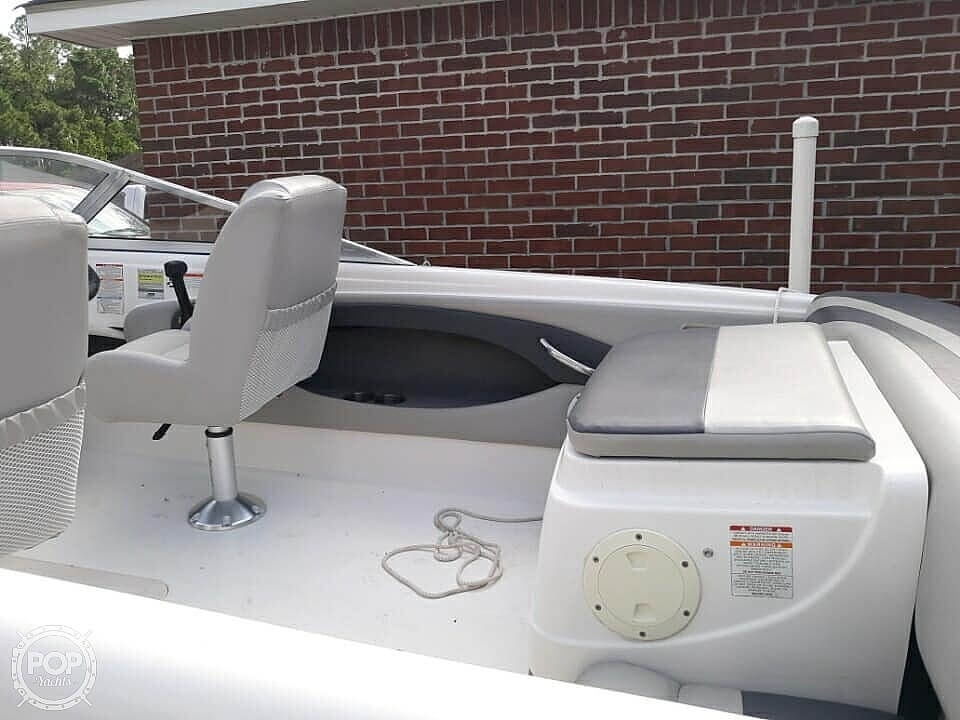 2009 Chaparral boat for sale, model of the boat is 180SSi & Image # 2 of 40