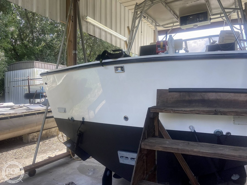 2002 Carolina Classic boat for sale, model of the boat is 28 & Image # 8 of 40