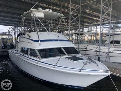 Bertram Flybridge Cruiser, 30', for sale - $32,900