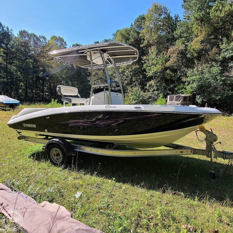 2017 Yamaha boat for sale, model of the boat is 190 FSH Deluxe & Image # 2 of 40