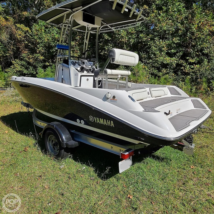2017 Yamaha boat for sale, model of the boat is 190 FSH Deluxe & Image # 10 of 40