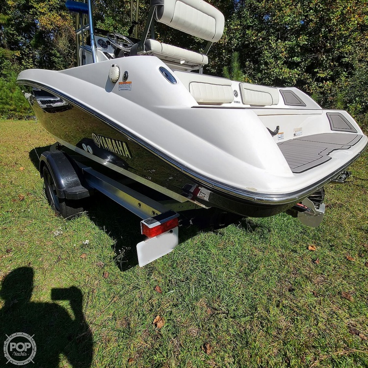 2017 Yamaha boat for sale, model of the boat is 190 FSH Deluxe & Image # 12 of 40