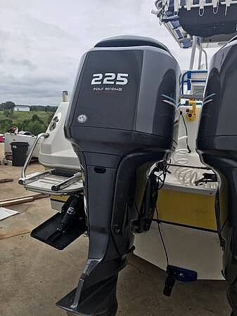 2004 Sailfish boat for sale, model of the boat is 238 Kingfish Tournament Edition & Image # 5 of 40