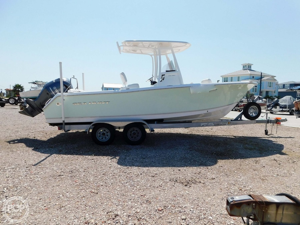 2015 Sea Hunt boat for sale, model of the boat is 234 Ultra & Image # 2 of 40