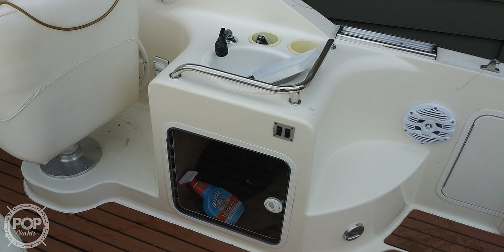 1999 Sea Ray boat for sale, model of the boat is 260 Sundancer & Image # 31 of 41